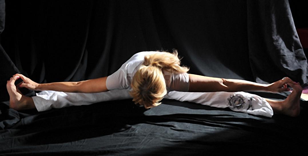 Postures yogiques et gymnastique classique